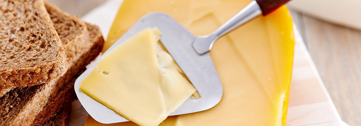 medium-vette-kaas-leidt-net-zo-min-tot-verhoging-van-ldl-cholesterol-als-vetwarme-kaas